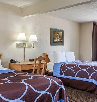 Hotel Rose Garden 2 Queen Bedroom