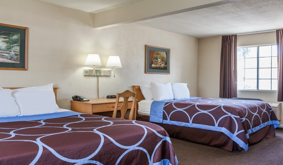 Hotel Rose Garden San Jose - 2 Queen Bed perfect for families