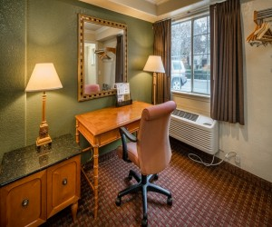 Hotel Rose Garden San Jose - Free High Speed Internet