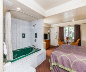 King with Jacuzzi Suite